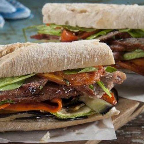 sandwich de cuadril a la parrilla
